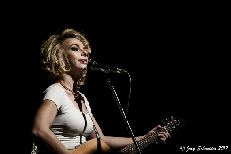 Samantha fish musiktheater piano dortmund for Samantha fish chills and fever